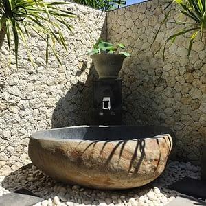 natural stone river cobble bath tubs